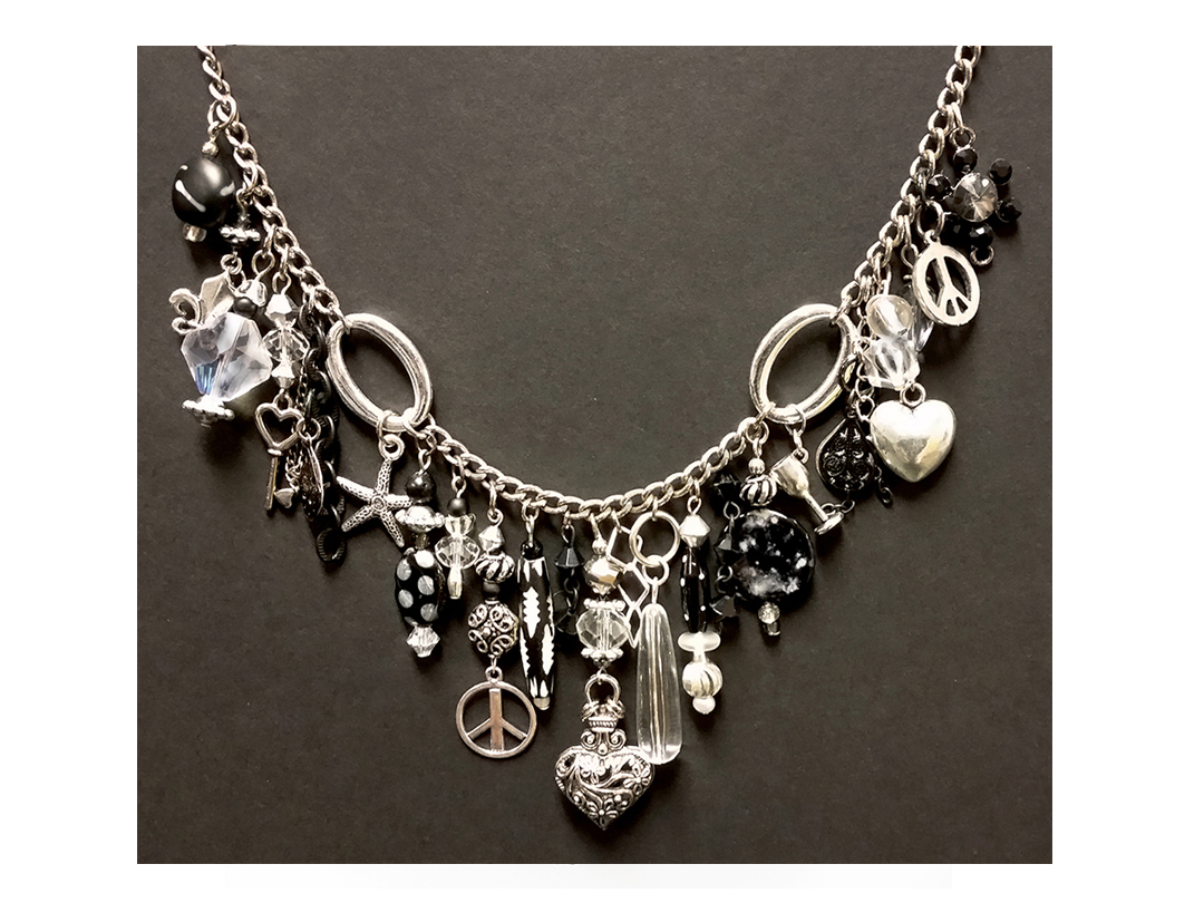 Necklace - silver/black